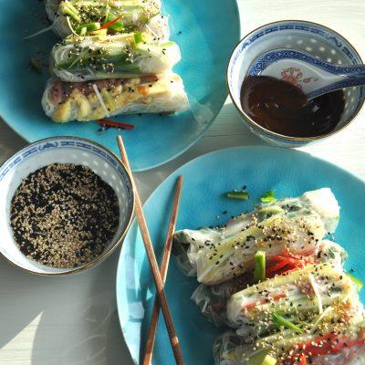 Feestelijke spring rolls met eend of garnalen (recept)