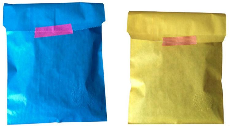 collage gekleurde papieren envelopjes cadeau