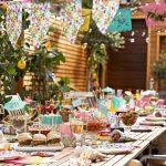 Een magisch versierd tuinfeest