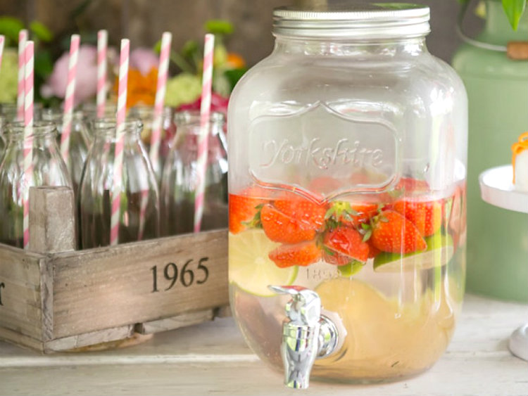 yorkshire mason jar limonade tap partydeco tuinfeest