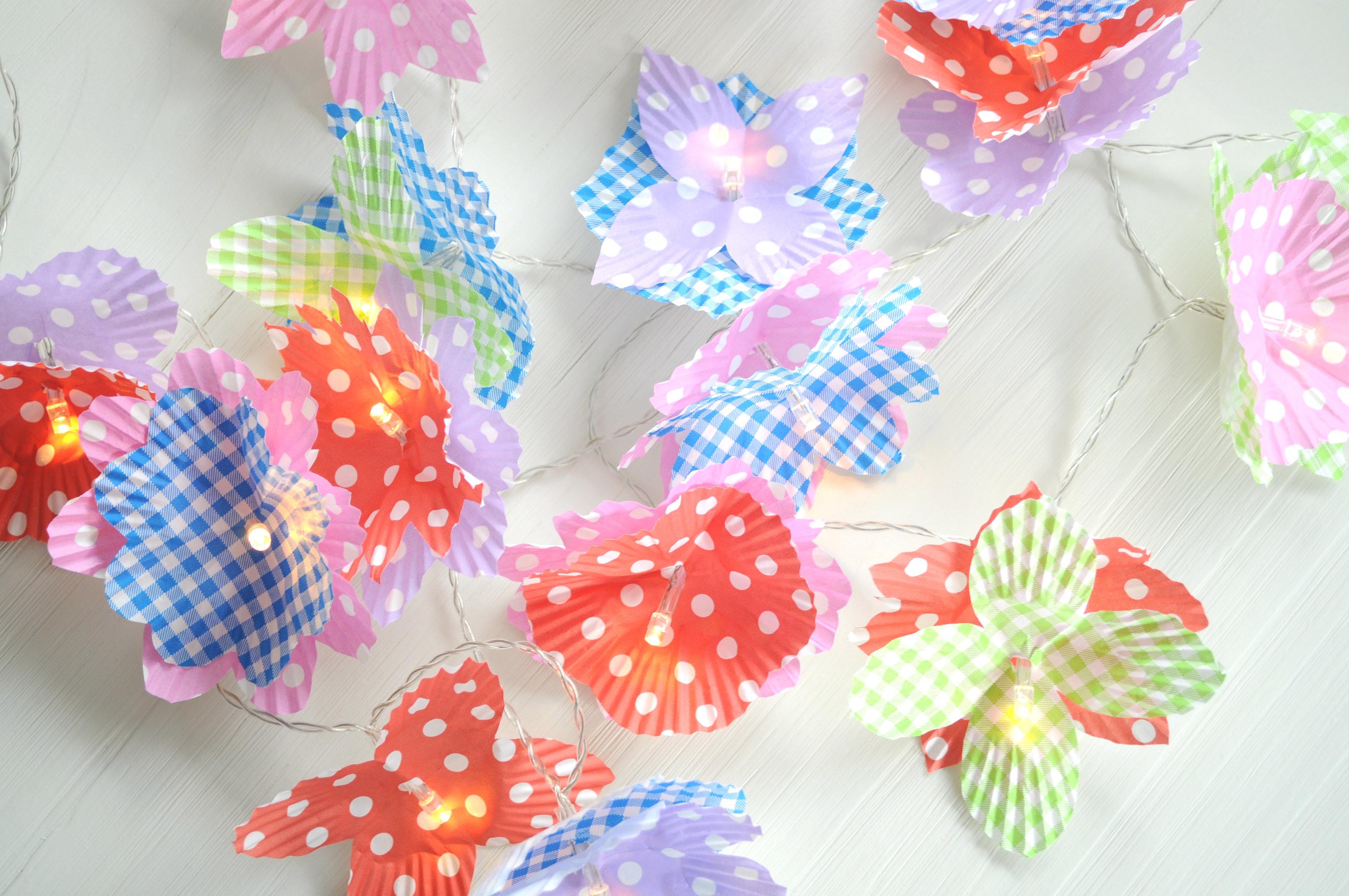 Diy lichtsnoer met bloemen so celebrate - Deco halloween tafel maak me ...