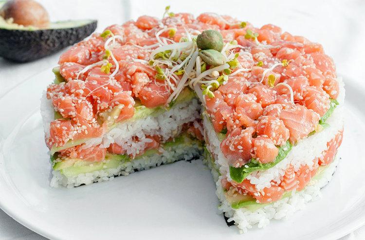 sushi cake taart laagjes vis rijst