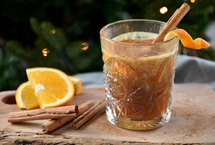 kaneelkoffie met sinaasappelsap