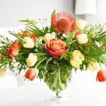 Klassiek voorjaarsboeket met tulpen