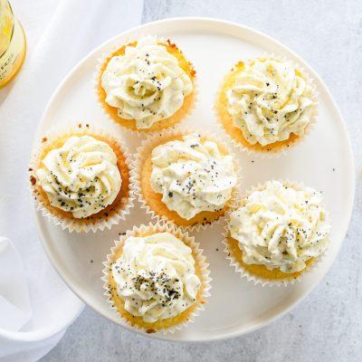 Cupcakes met lemon curd & maanzaad