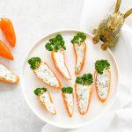 Vega hapjes: 'Worteltjes' van paprika & feta