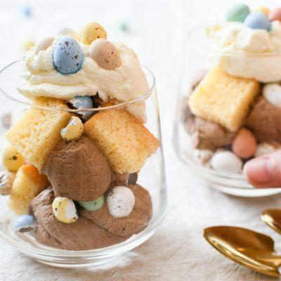 Easter Mess | paasdessert met gesuikerde paaseitjes