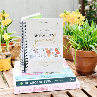Nieuwe boeken over bloemen kweken & (Moes)tuinieren
