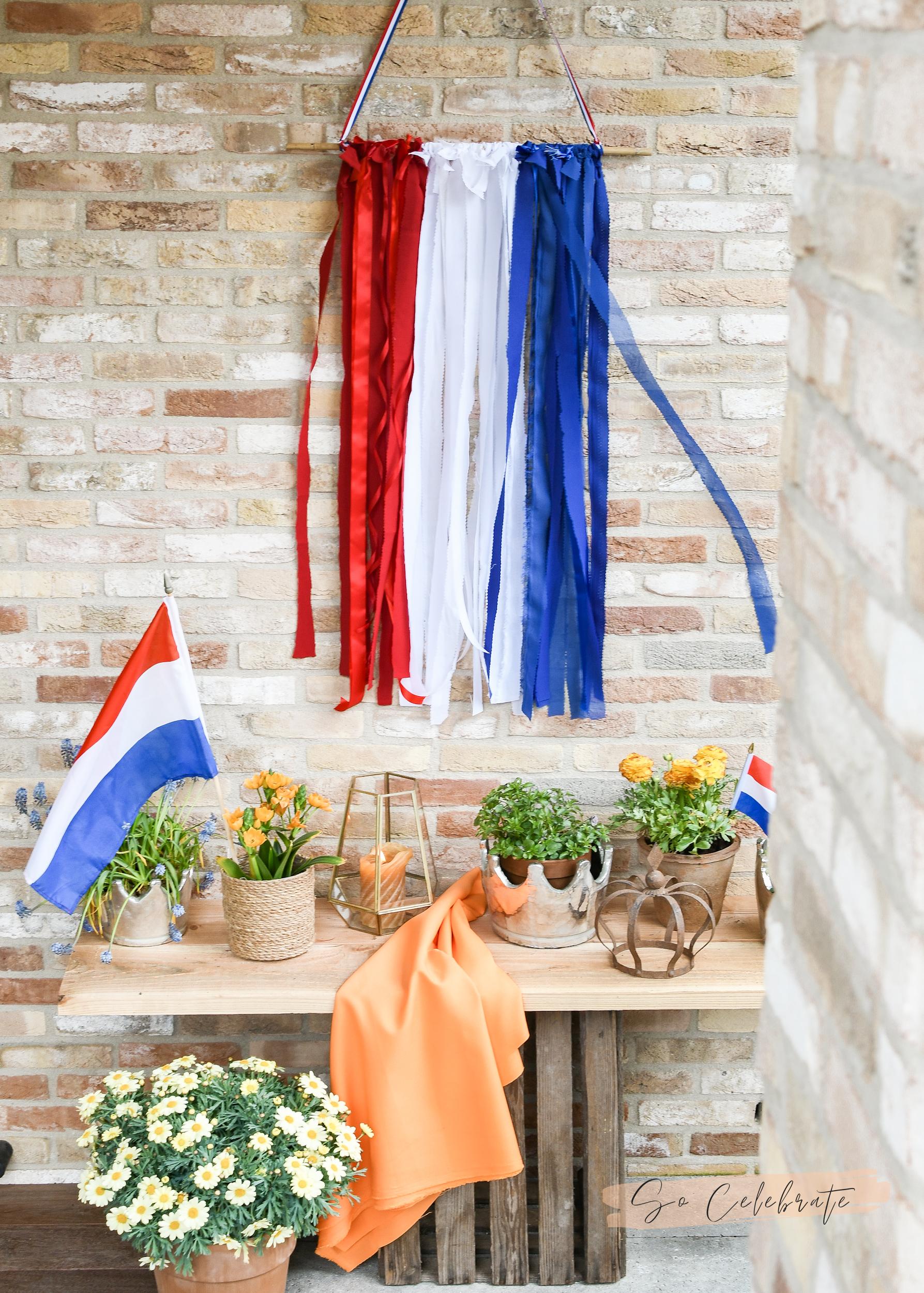 Vlag van restjes stof en lint maken - koningsdag decoratie knutselen