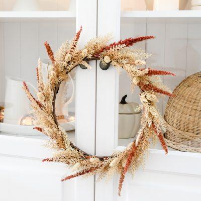 Herfstkrans maken van IKEA-kransje